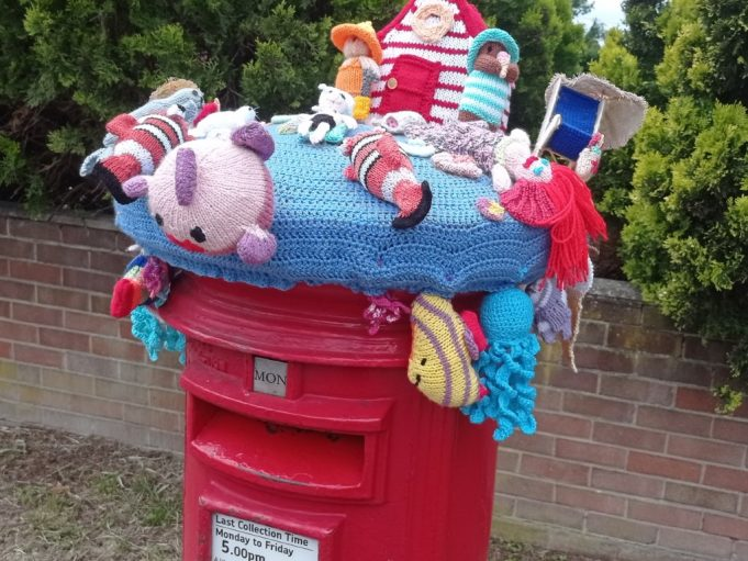 Seaside hat for post box | Phil Coley
