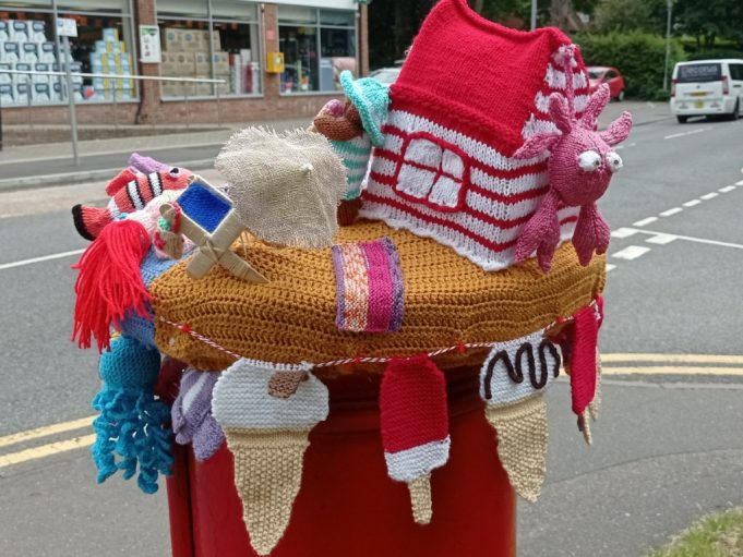 Seaside hat for post box showing ice-cream. | Phil Coley