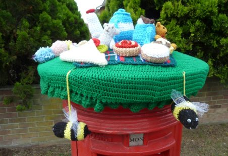 Teddy Bears Picnic Hat for Post Box